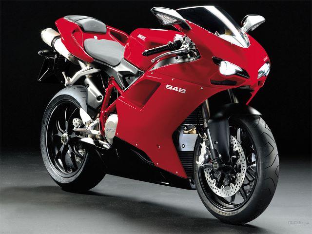 Ducati-848-Evo-Yakit-Tüketimi-Teknik-Özellikleri-1