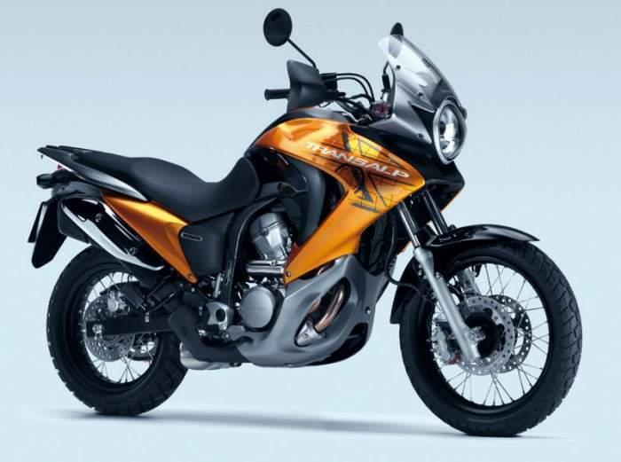 Honda-XL-700V-Transalp-yakıt-tüketimi-teknik-özellikler
