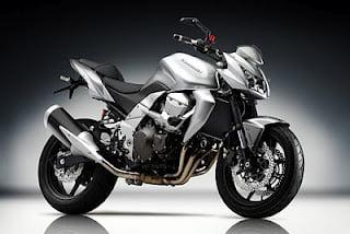Kawasaki-Z-750-Yakıt-Tüketimi-ve-Teknik-Özellikleri