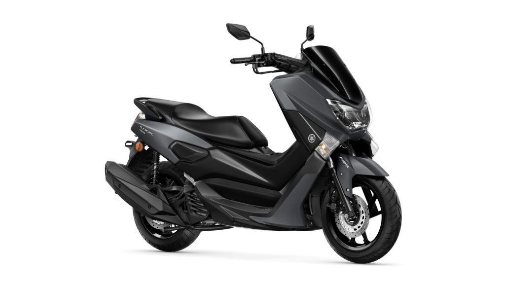 Yamaha-NMAX-155-Scooter-Yakıt-Tüketimi-ve-Teknik-Özellikleri-siyah