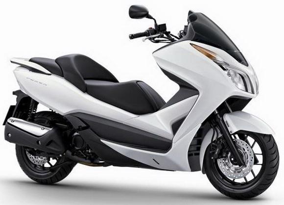 Honda forza 300 yakıt tüketimi